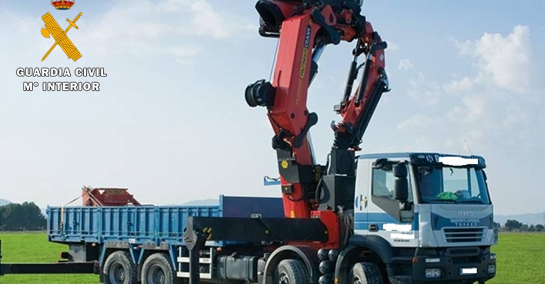 La Guardia Civil detiene a una persona por sustraer un camión-grúa de gran tonelaje en una nave industrial de Villena