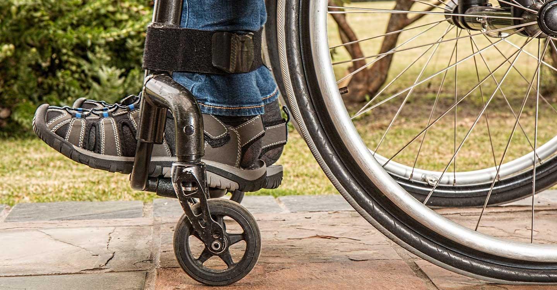 La labor del fisioterapeuta es esencial para la mejora de la calidad de vida de las personas con discapacidad