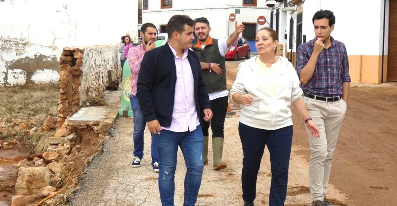 Morales y González visitan las inundaciones de la Ossa de Montiel y piden al Gobierno ayudas económicas para los municipios afectados