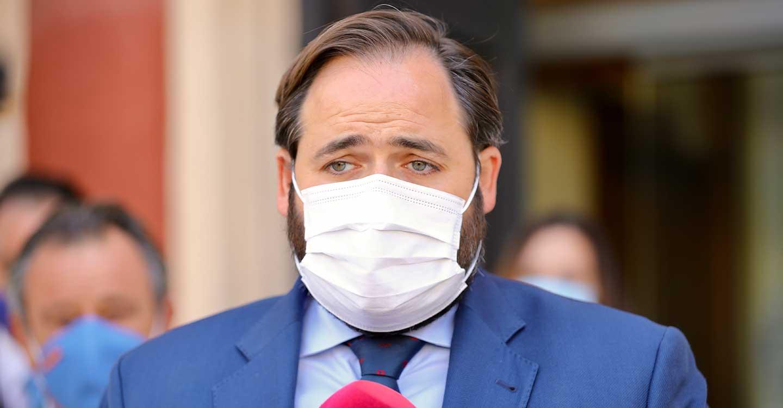 """Núñez reivindica la importancia de los alcaldes de cara al inicio del curso escolar y pide a Page que cuente con ellos para conocer """"la realidad"""" de cada municipio"""