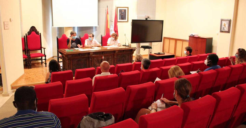 Las pruebas moleculares realizadas por la Consejería de Sanidad permiten detectar nuevos casos positivos asintomáticos entre los temporeros de Albacete