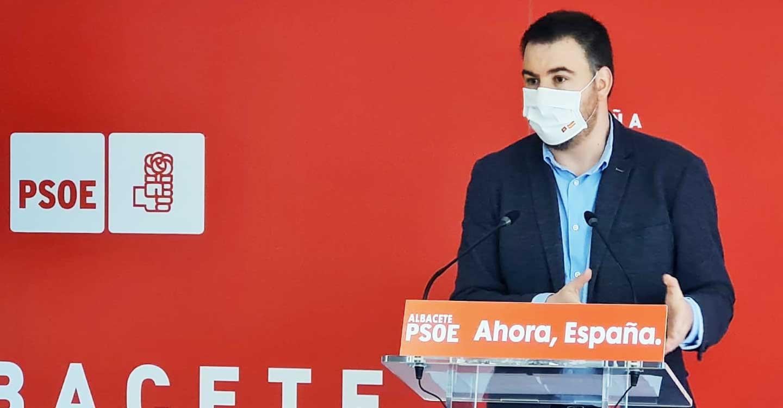"""Sánchez Requena reclama al PP de Núñez que abandone """"la alianza con el virus"""", actitud que """"la ciudadanía no entiende"""""""