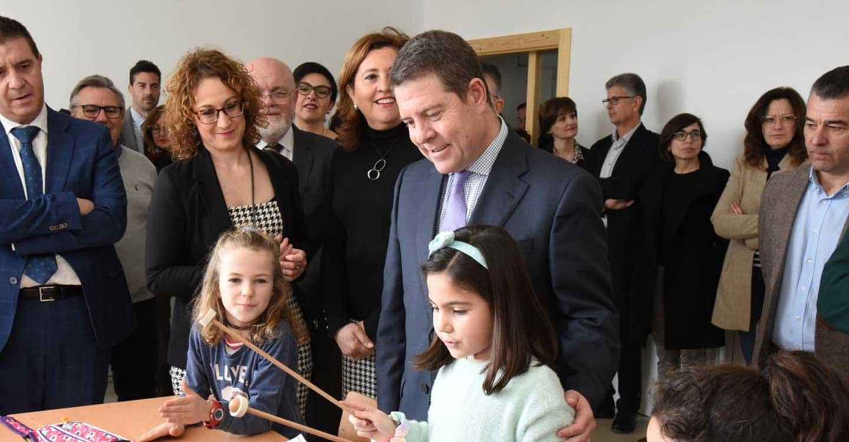 El Gobierno de Castilla-La Mancha sacará todos los años de la legislatura oferta pública de empleo en enseñanza para facilitar la consolidación de plazas de interinidad