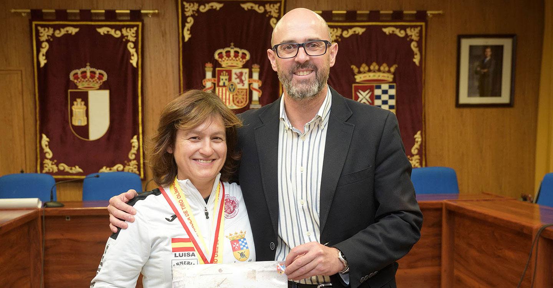 El Ayuntamiento de Argamasilla de Alba reconoce los méritos deportivos de Luisa Trujillo e Ismael Madrid