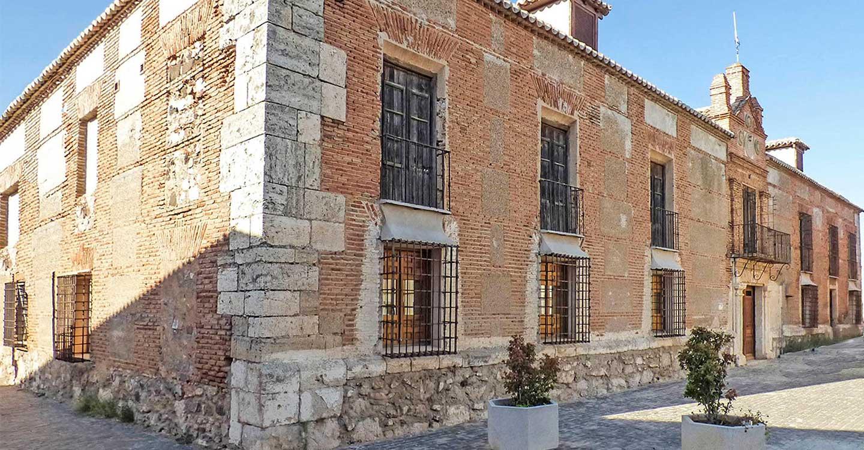 Ayuntamiento y Diputación impulsan mejoras en Aldea del Rey gracias a una subvención de 100.000€ para actuaciones en instalaciones municipales.