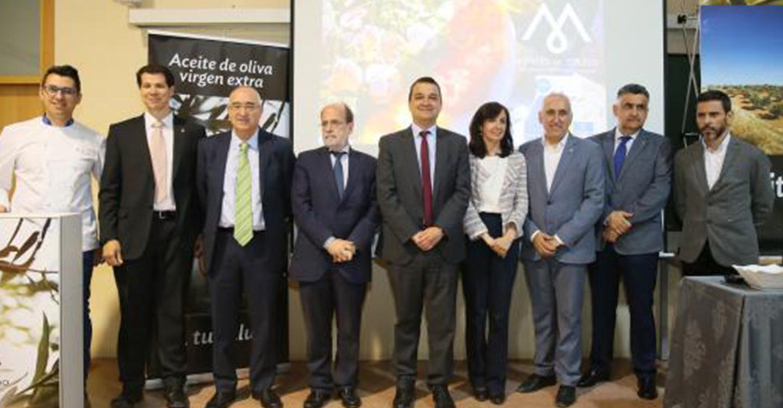 El Gobierno regional destaca el aceite de oliva virgen extra y sus propiedades como elemento fundamental en la Dieta Mediterránea