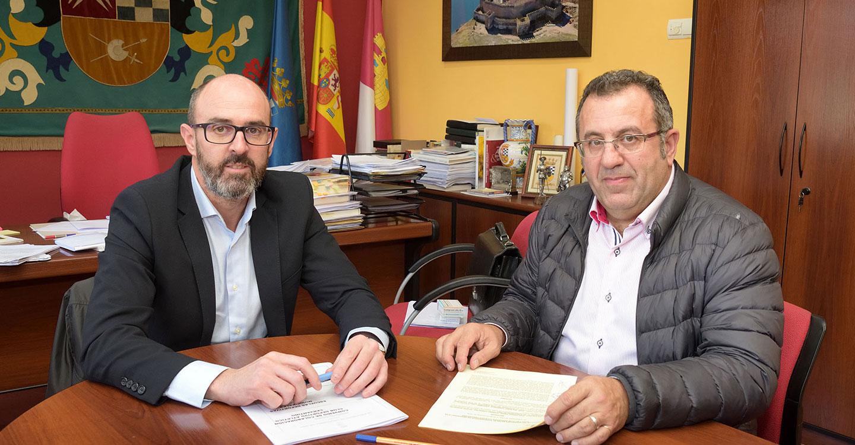 El Atlético Cervantino y el Ayuntamiento renuevan su colaboración en favor del deporte base