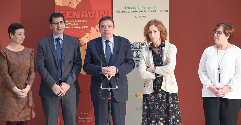 El ministro de Agricultura compromete apoyo institucional a FENAVIN tras celebrar una reunión con el presidente de la Diputación