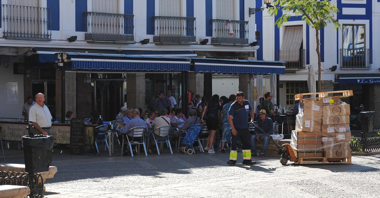 El paro baja en Valdepeñas y espera en el interanual descender su tasa al 12,5%