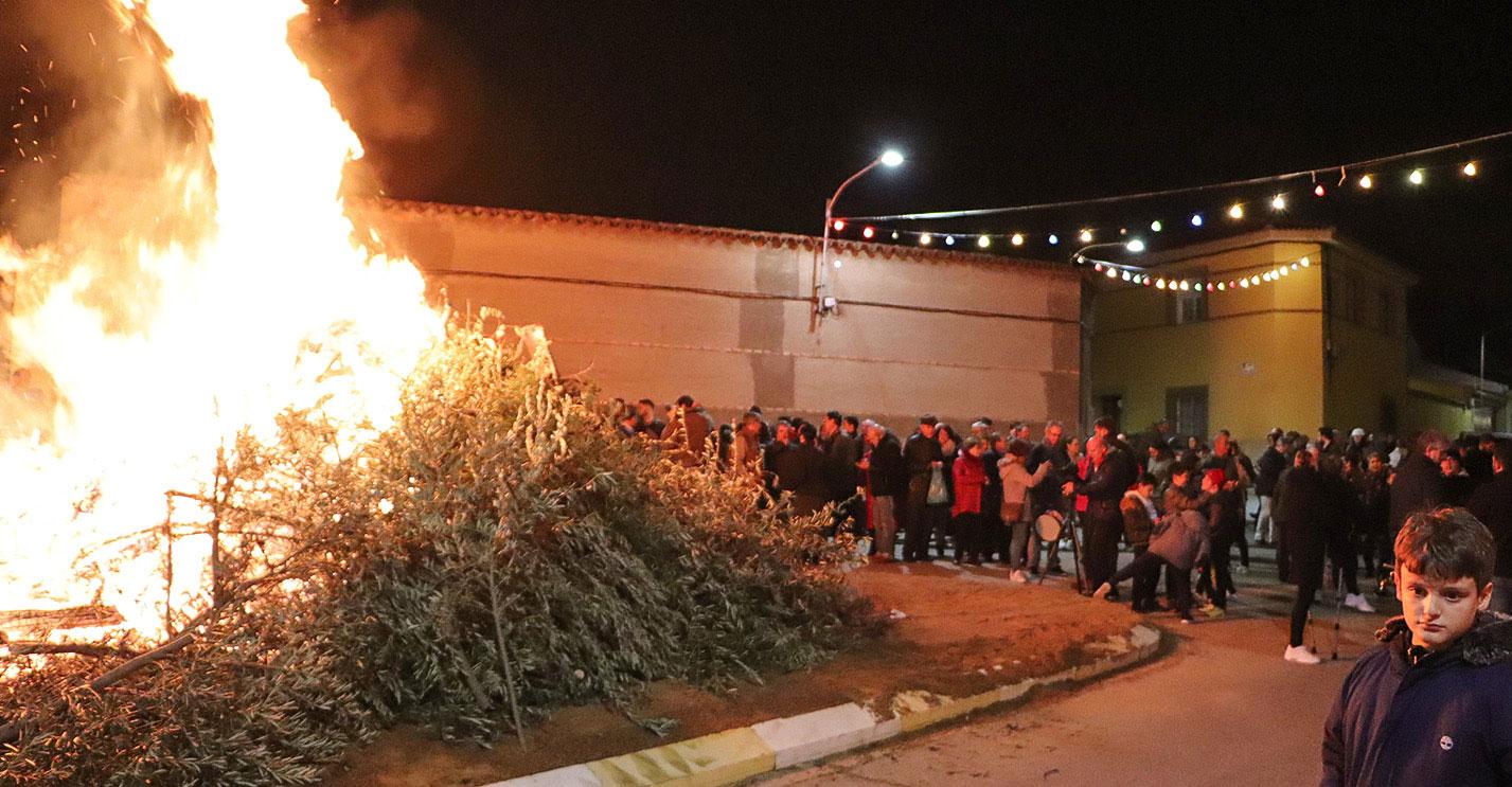 Almodóvar del Campo se unió a su barrio de El Calvario para acompañar nuevamente a santa Bárbara