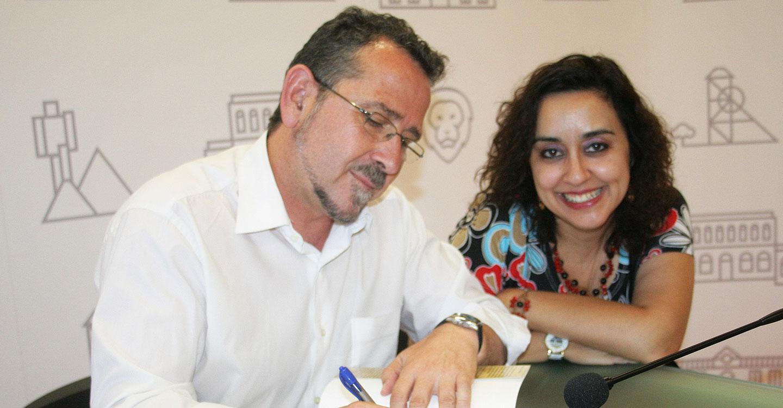 En el día del amor, el poeta José Luis Díaz Cacho Campillo presenta su libro