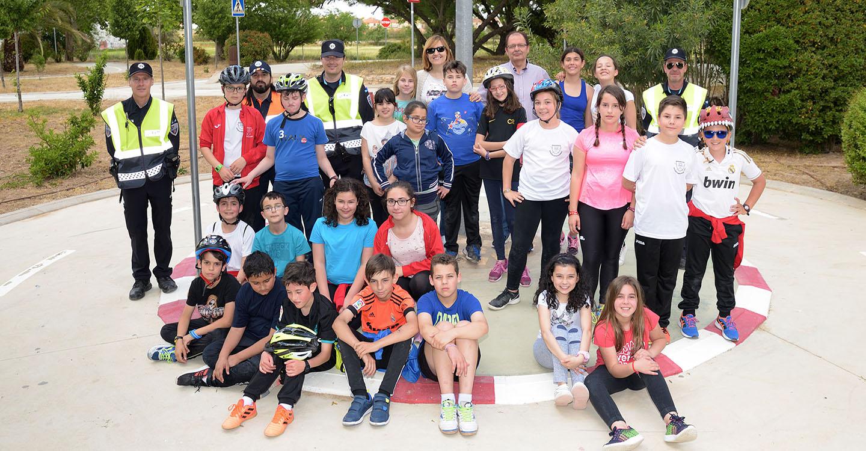 Los alumnos y alumnas de 5º curso de los CEIP de Argamasilla de Alba han finalizado la fase práctica de las X Jornadas de Educación Vial Escolar, impartidas por la Policía Local
