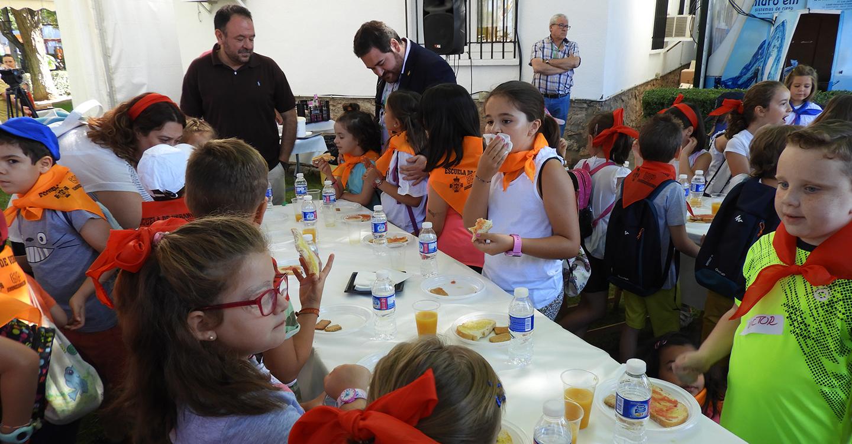 Desayunos saludables con productos manchegos en Fercam, para los menores de la Escuela de Verano de la Universidad Popular