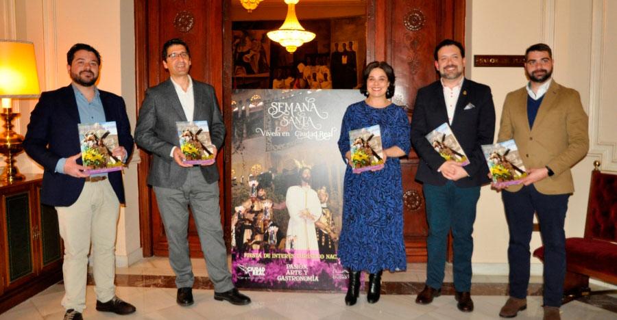 La Diputación colabora un año más con la Asociación de Cofradías de Ciudad Real mediante la publicación de guías y programas