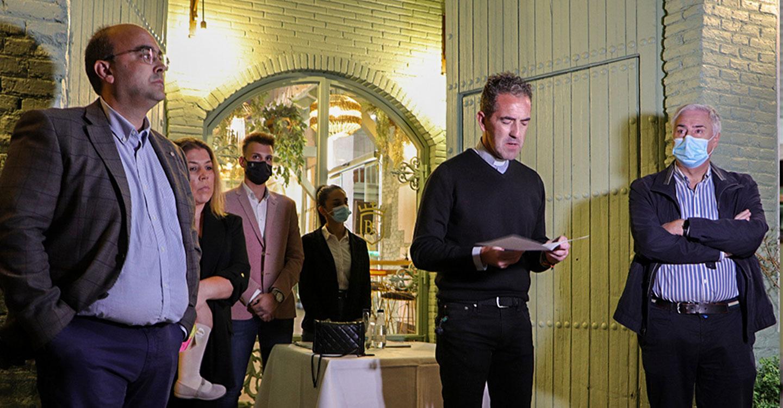 Lozano ve en el remozado Restaurante 'La Bodega del Cacho' el afán del empresariado local para mejorar Almodóvar del Campo