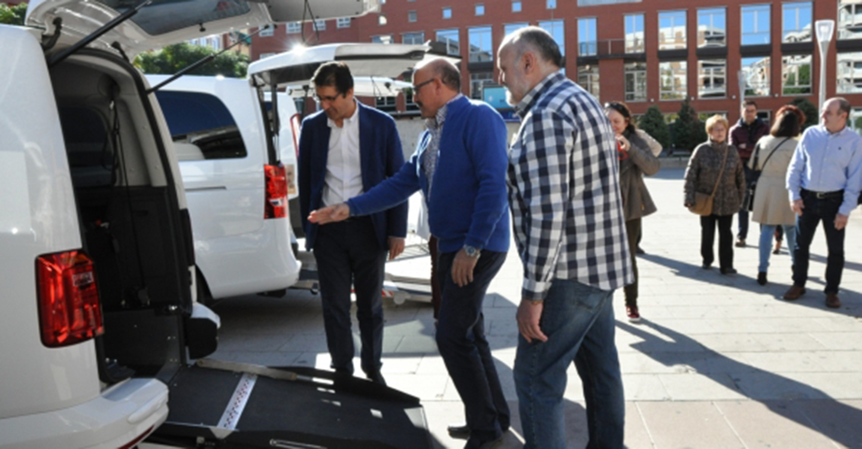 La Diputación de Ciudad Real destina 40.000 euros a la adaptación de taxis para personas con movilidad reducida