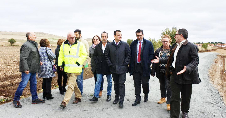 """El Gobierno regional destaca la unión entre las administraciones para el arreglo de caminos haciendo una """"verdadera política de desarrollo rural"""""""