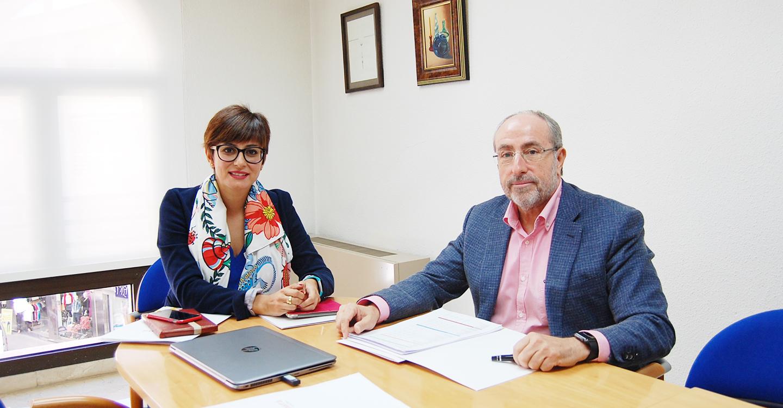 El PSOE presenta a la Cámara de Comercio las acciones del Gobierno nacional para priorizar la política de atención al pequeño comercio