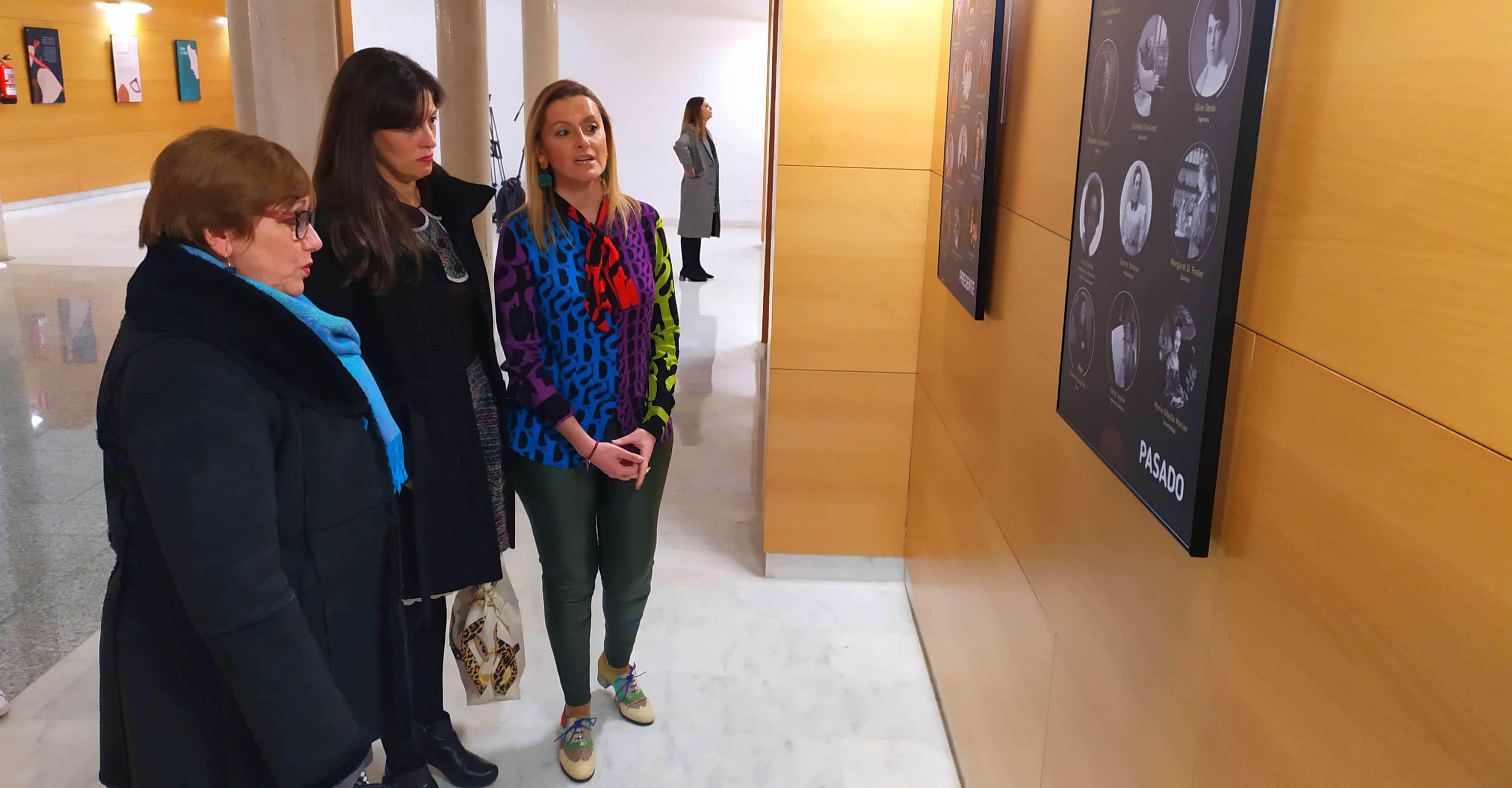 Las chicas en la ciencia y la tecnología, protagonistas de una exposición en La Confianza