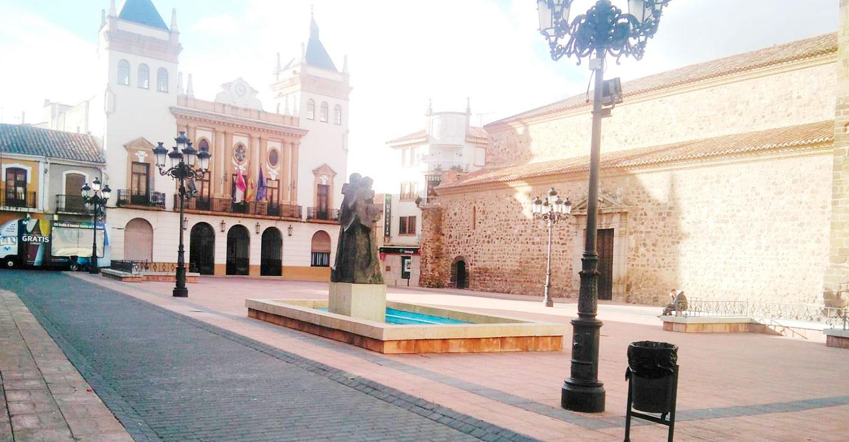El PSOE de Almodóvar ve necesario que el pueblo opine en temas tan importantes como la remodelación de la Plaza Mayor