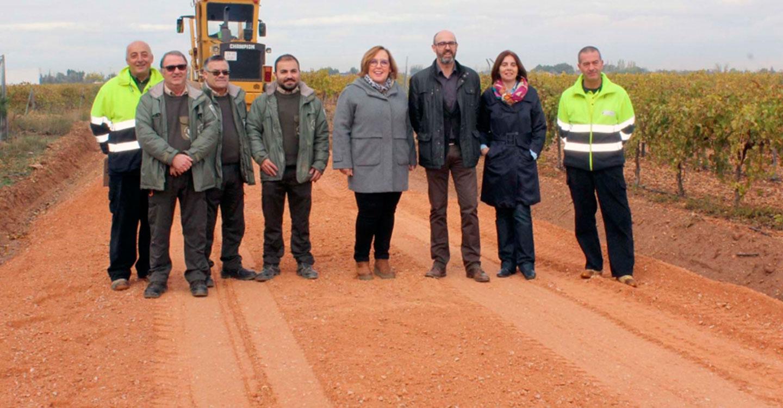 Beatriz Fernández visita el arreglo de caminos en Argamasilla de Alba