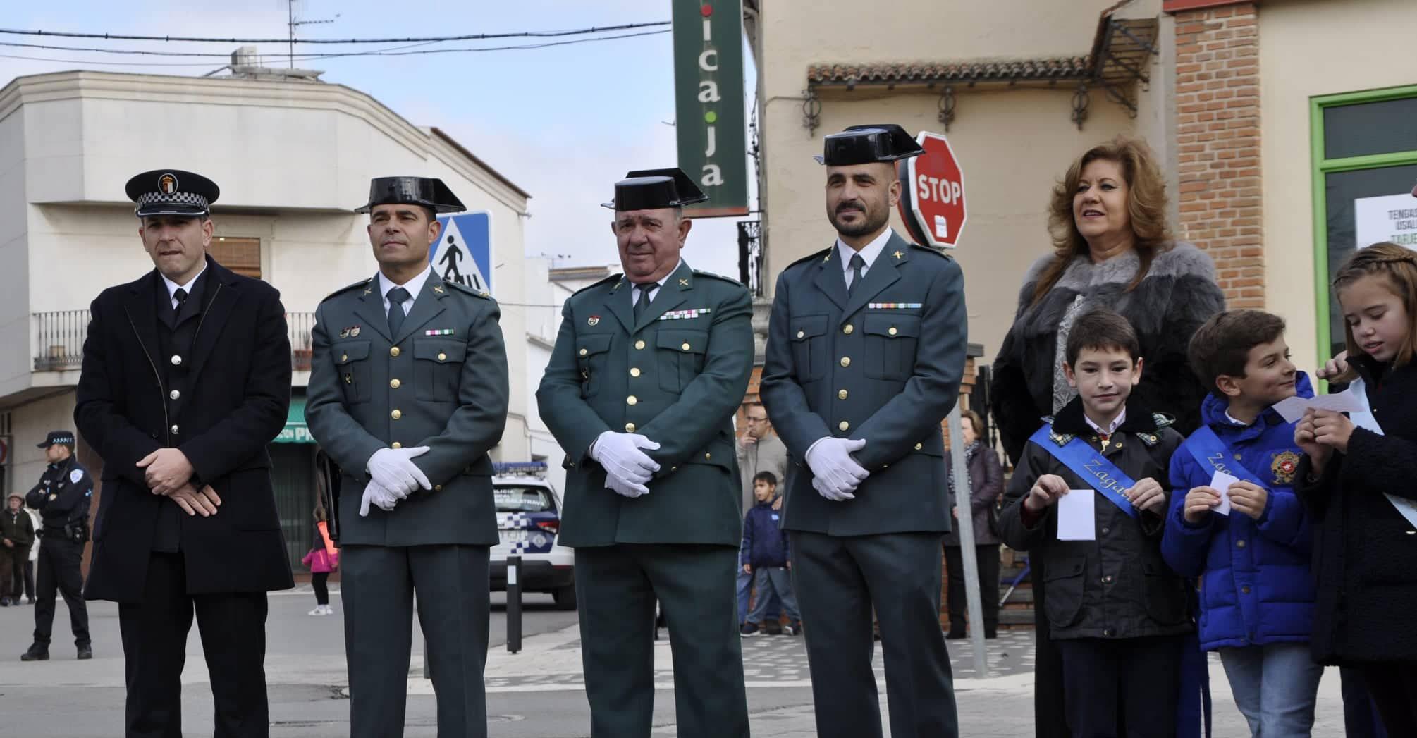 Torralba de Calatrava celebró el Día de la Constitución con desfile, izado de bandera y lectura de artículos