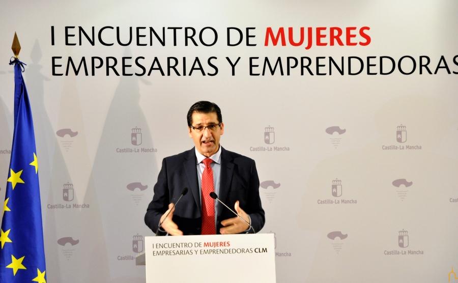 José Manuel Caballero anima a las mujeres a seguir teniendo ambición y posicionarse en los puestos directivos de las empresas
