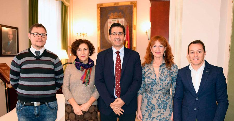 La alcaldesa de Miguelturra pide en la Diputación que se promocione y difunda el Carnaval de su pueblo