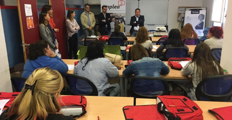 Dionisio Vicente inaugura en Porzuna un curso de competencias clave del plan 'Emplea'