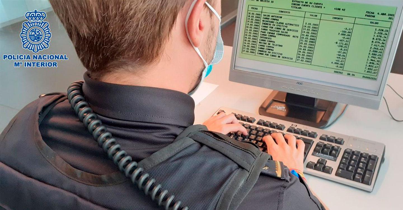 La Policía Nacional investiga a dos personas por simulación de delito y estafa contra su propia sucursal bancaria