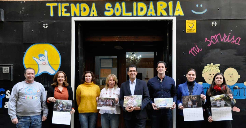 El presidente de la Diputación asiste a la presentación del calendario solidario de Afanion