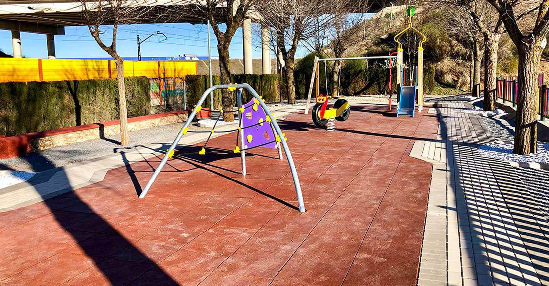 El remozado parque de la calle Rodríguez Marín, ya a disposición de las familias