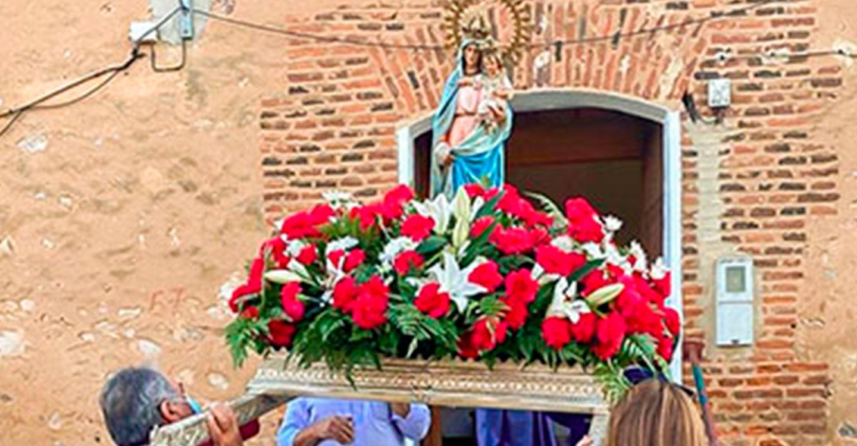 Veredas también pudo sacar ayer en procesión a la Virgen del Pilar