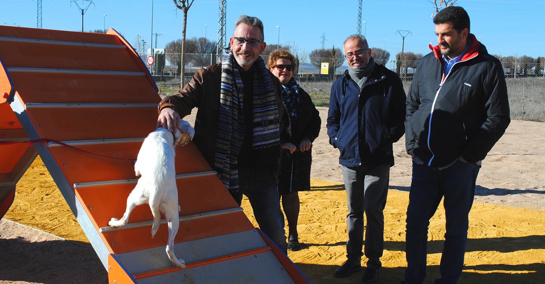 Valdepeñas estrena su Parque Canino, 4.000 m² de espacio de recreo para mascotas