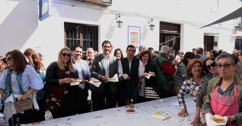"""Caballero destaca que el """"Colectivo de Mujeres de Almagro Rita Lamber"""" reivindique la igualdad con alegría"""