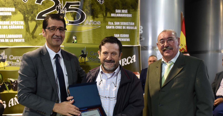 Caballero dice que si las instituciones y el sector de aceite de oliva se unen, aumentarán las exportaciones
