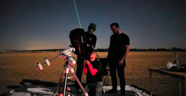 El interés por la observación astronómica llevó a más de 150 personas hasta la Laguna Blanca