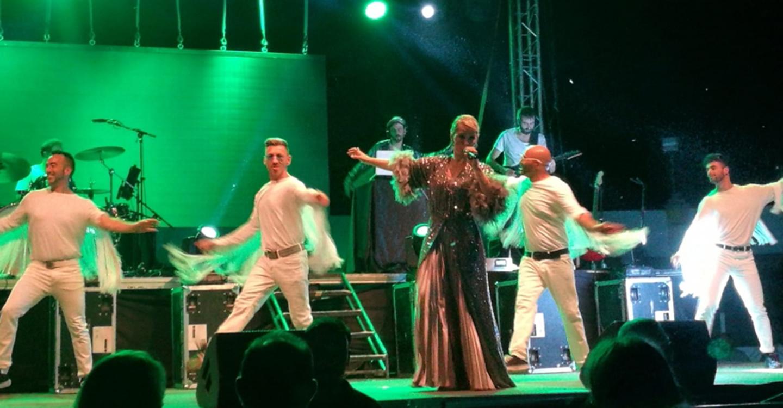 Soraya encandiló al público que asistió en Guadalmez a los conciertos de la Diputación de Ciudad Real