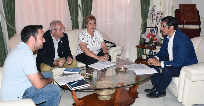 Caballero y Montes repasan las inversiones y actuaciones de la Diputación en Almadén
