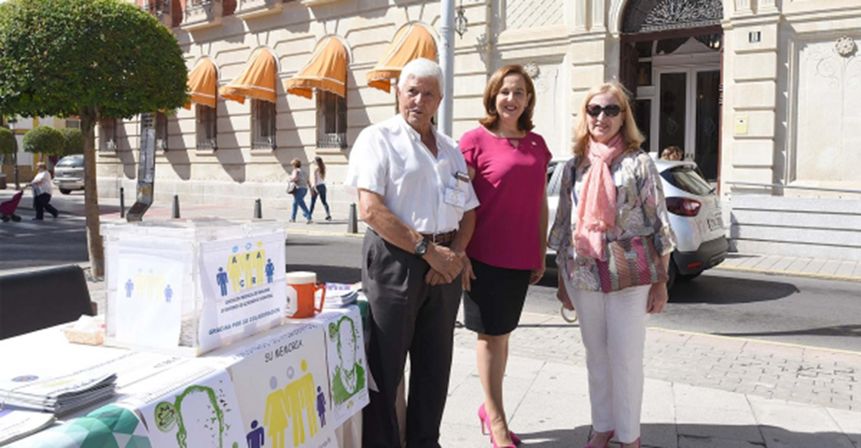 La Diputación apoya a la asociación de Familiares de Enfermos de Alzheimer