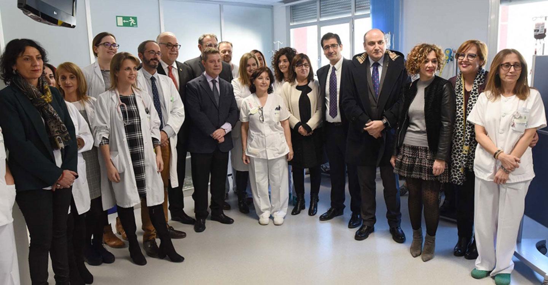 El presidente de la Diputación visita la Unidad del Hospital de Día Oncohematológico de Manzanares, que ha sido ampliada