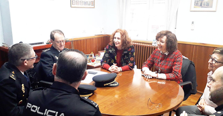Herreros conoce al nuevo inspector jefe de la Policía Nacional de Alcázar de San Juan y visita la Compañía de la Guardia Civil