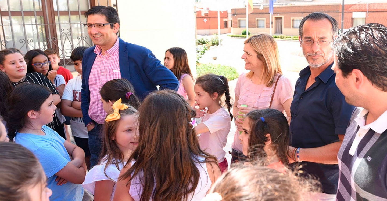 """Caballero agradece a profesores y padres el rotundo éxito de la iniciativa """"Paseos Escolares"""""""