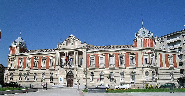 José Manuel Caballero afronta su segunda legislatura en la Diputación de Ciudad Real con un equipo paritario, renovado en  un 47% y con solo 4 alcaldes