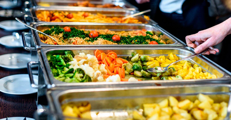 Un total de 50 municipios de menos de 2.000 habitantes prestarán el servicio de comidas dirigido a personas mayores