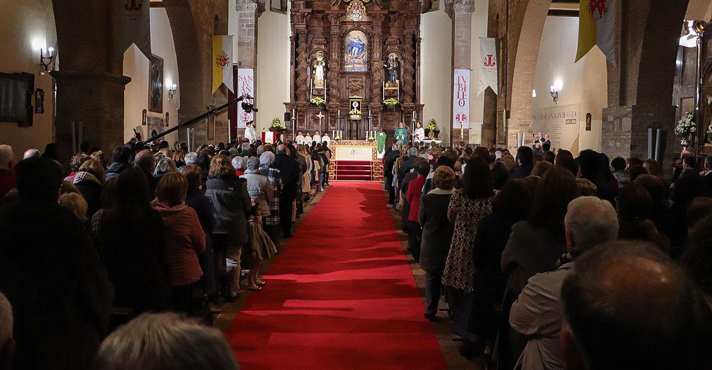 La misa que retransmitió ayer TVE desde Almodóvar del Campo fue seguida en directo por más de medio millón de telespectadores