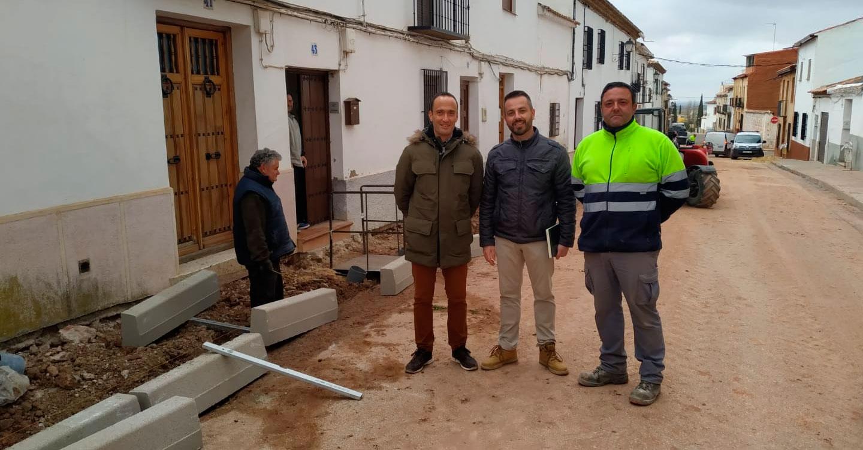 Se ultiman los trabajos de reposición de acerados y sustitución de la Red de Suministro de Agua Potable de varias calles