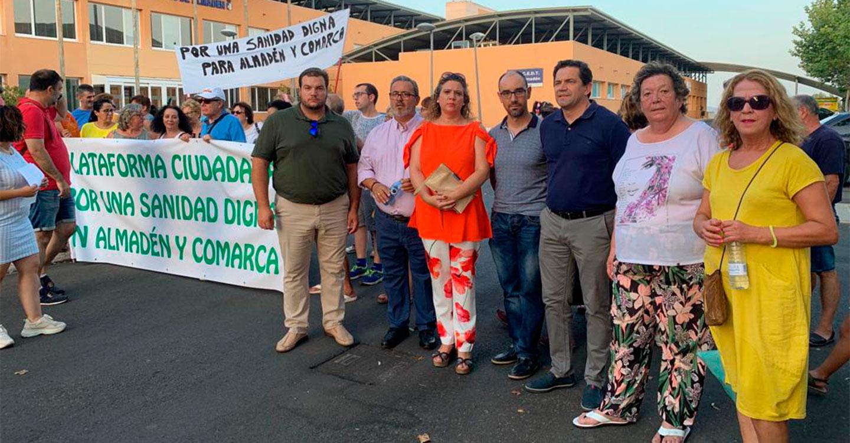El PP apoya a los vecinos de Almadén en su lucha contra el desmantelamiento de los servicios sanitarios en la comarca