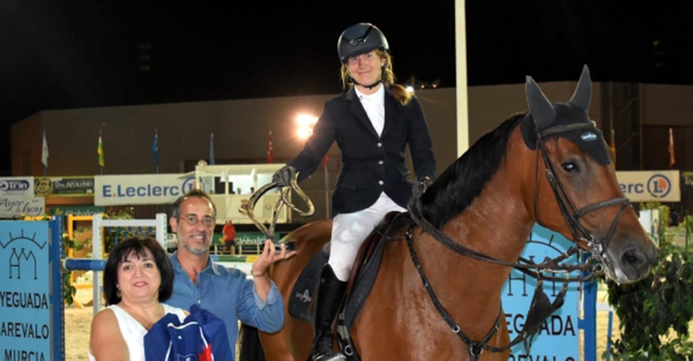 La joven amazona Laura Roquet se alzó con el Trofeo Diputación del Concurso Hípico Nacional de Saltos