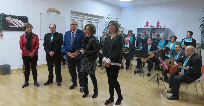 El Centro de Mayores recibe a la Navidad cantando